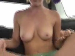 Teen fucking in a car