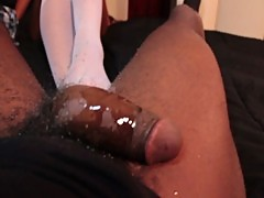 CYNTHIAS SENSUAL FOOT JOB WOW BLACK TEEN FOOT FETISH REAL BLACK GF FOOTJOB